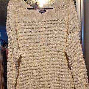 Apt 9 EUC long pullover sweater.